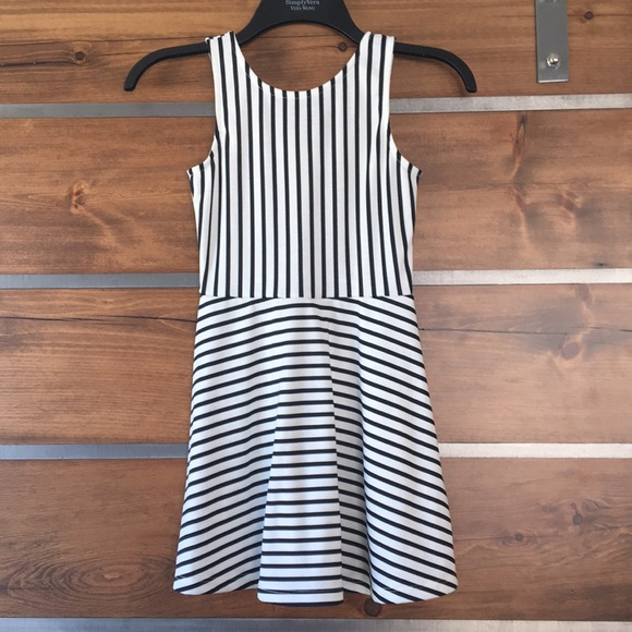 H&M Other - NWOT H&M black and White stripped dress
